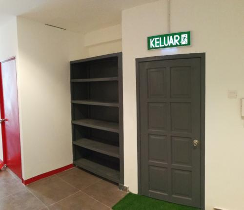 Entrance and Shoe Cabinet