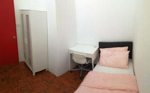 Single Room at Subang 2 Terrace House