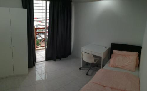 Full furnished medium room