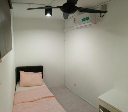 Full furnished small room